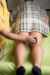 Ultraschallanwendung an der Kniekehle